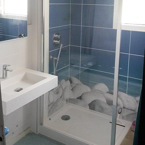 Tuyauterie salle de bain free ensuite poser les cloisons for Tuyauterie salle de bain